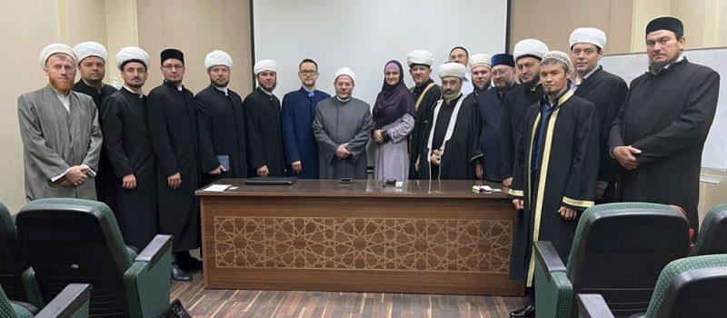 Преподаватели медресе прошли обучение на курсах повышения квалификации в Египте