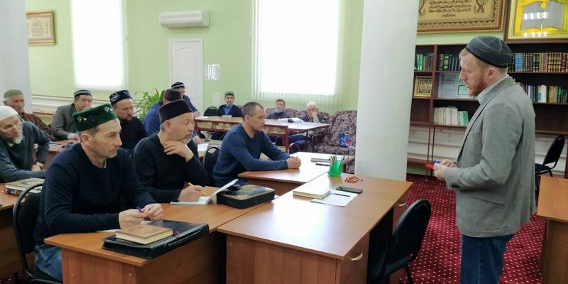 В г. Марксе медресе провело курсы повышения квалификации для имамов
