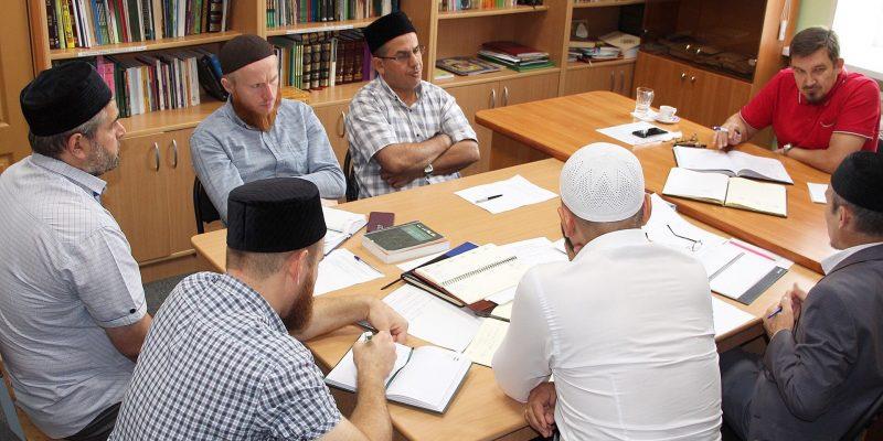 Муфтий провел встречу с преподавателями медресе «Шейх Саид»